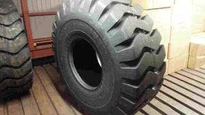 タイヤショベル用ORタイヤ 20.5-25 20P